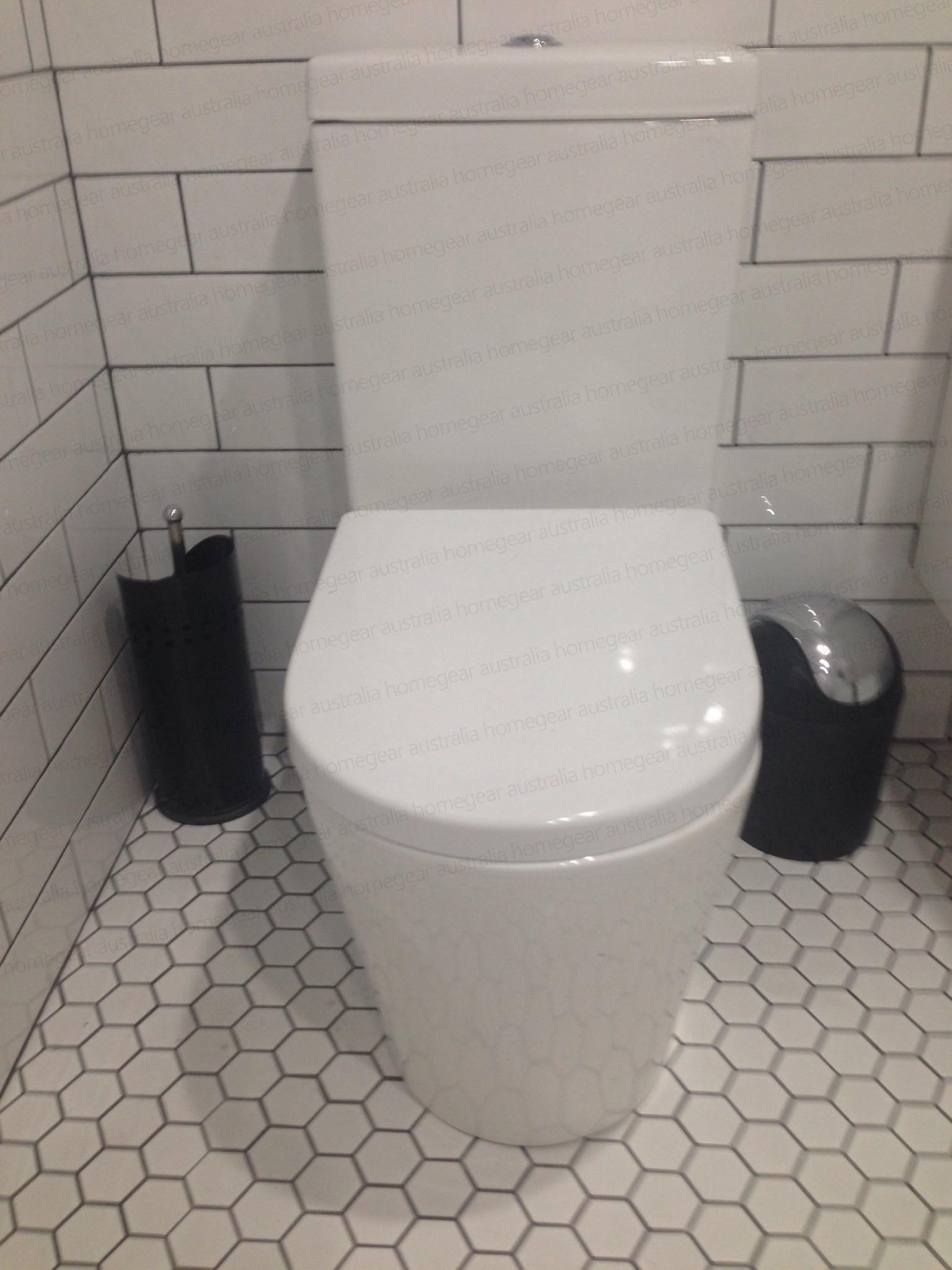 002 Round Back To Wall Ceramic Toilet Suite With Soft