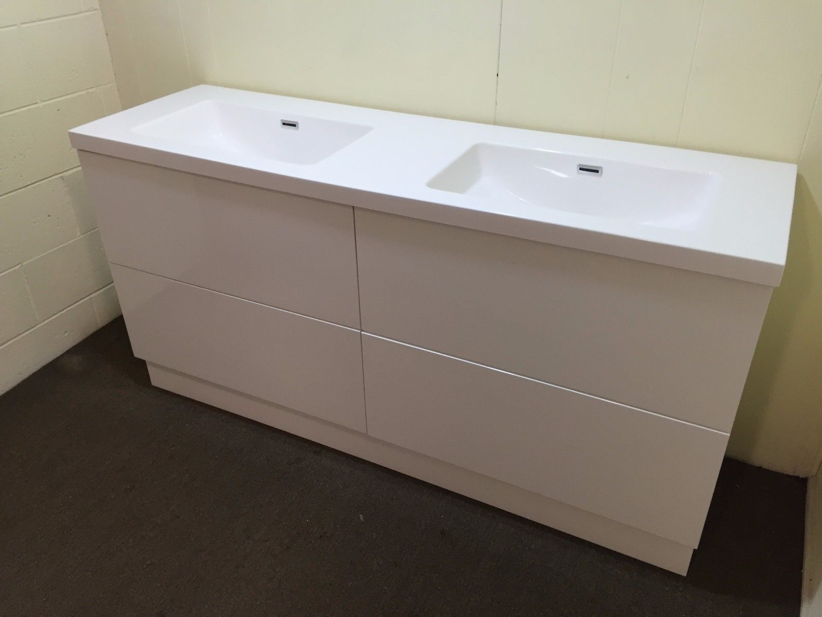 CIENA | 1500mm White Gloss Polyurethane Double Bathroom ...